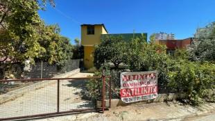 Cumhuriyet Mahallesinde Satılık Müstakil Ev ve Arsası